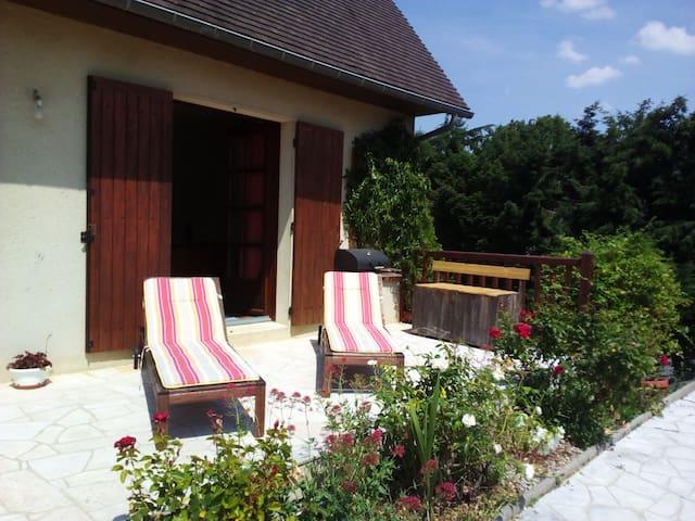 Chambres au calme avec terrasse et jardin