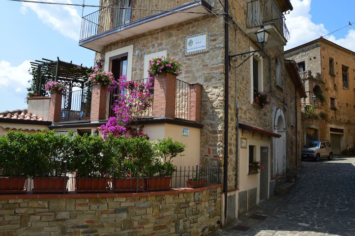 "B&B  ""LACAS(URL HIDDEN) - Angellara - Bed & Breakfast"