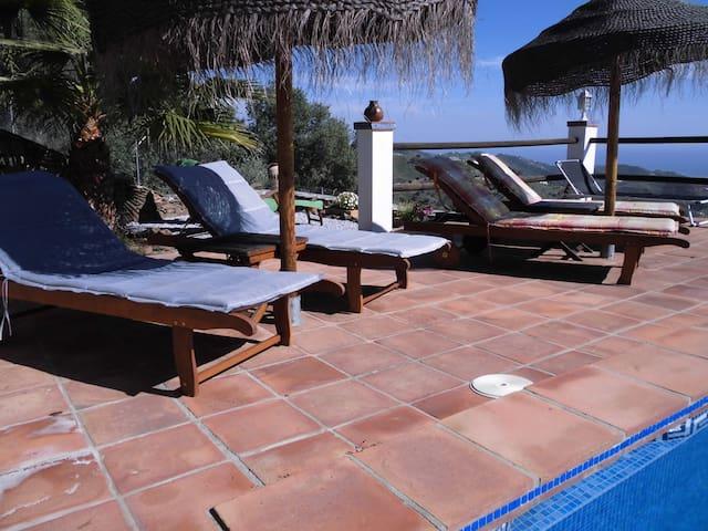 Urlaub im Vorzimmer zum Paradies - App. Vino - - Sayalonga - Byt