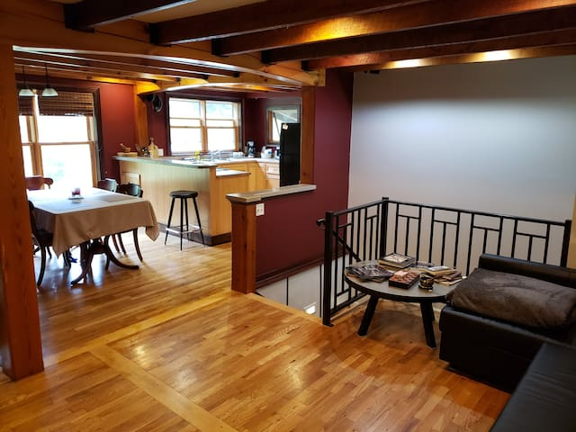 Convenient, and Close to Boone! Private Entrance.
