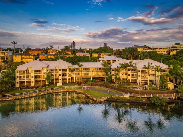 Sunrise Cove 2 Bedroom Waterfront Apartment
