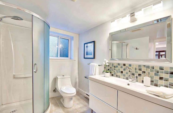 Second washroom with shower