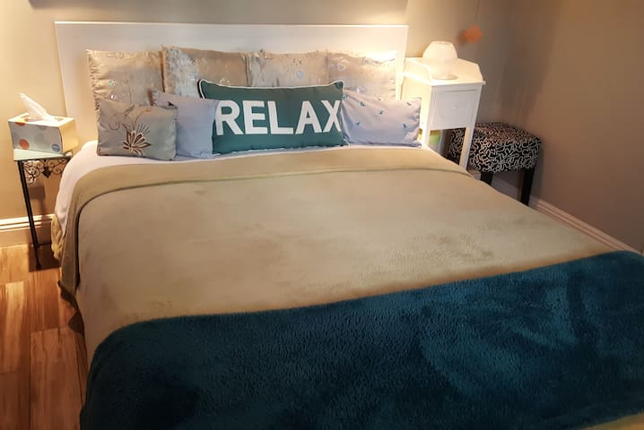 Sherman Oaks Best Relaxed and Totally Private Room