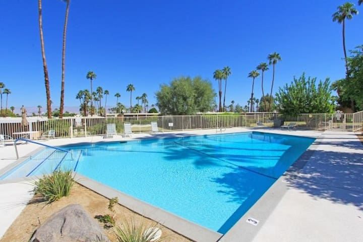 Mid-century gem w/ private patio & great community pool - walk to El Paseo!