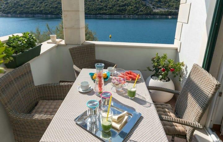 Villa Regina Maris, luxury apartment with terrace