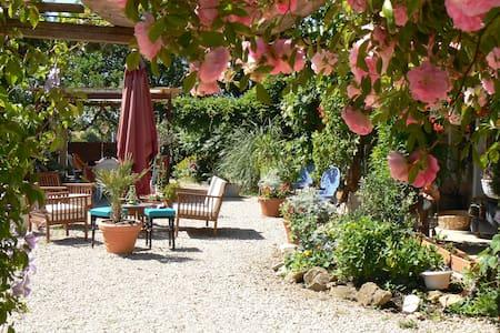 Maison Cheval Blanc - Montpont-en-Bresse - Wohnung