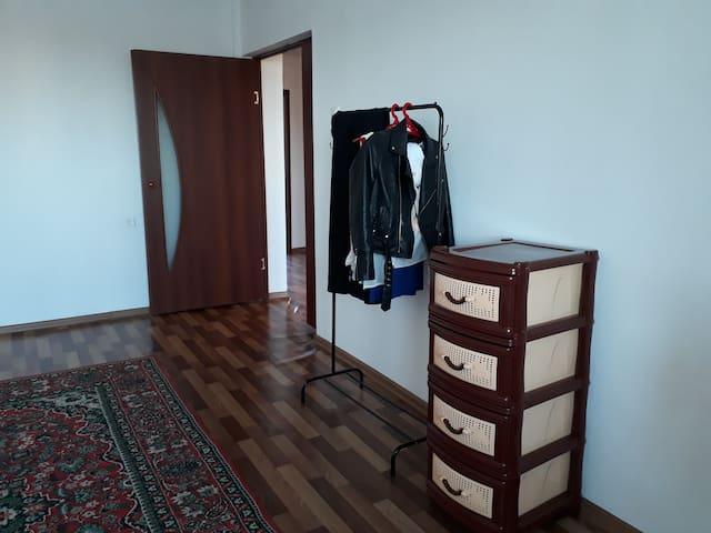 Aknur's home