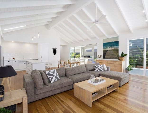 Hamptons Beach House - Kingscliff - Huis