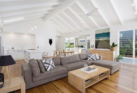 Hamptons Beach House - Kingscliff - Haus