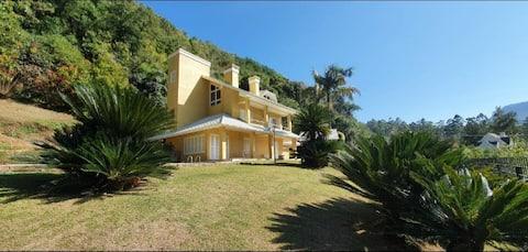"""""""Casa das Cycas"""", seu endereço no Pequeno Paraíso"""