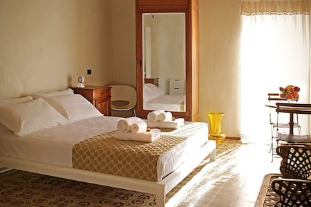 Le Are Bed and Breakfast - Pescantina - Bed & Breakfast
