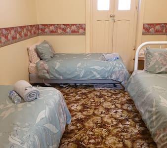 Transcontinental Hotel Quorn Room 16