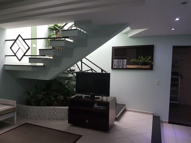Espaço confortável e completo em ótima localização - Jaraguá do Sul