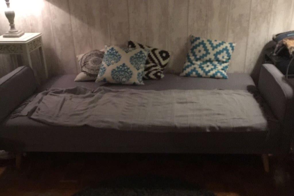 Canapé lit pour 1 ou 2 personnes, matelas disponible