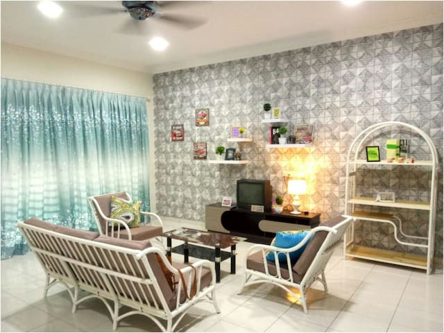 OFFER TIME ~103 Sitiawan happy homestay/9pax