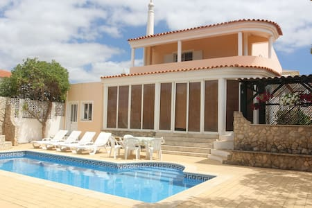Private room in villa with pool 10 mins from beach - Ferragudo - Villa