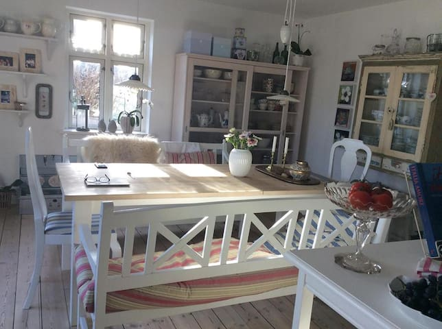 Charming house, 30 min from Aarhus - Ry - Stadswoning