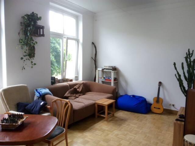 Wohnung in Altbau Villa