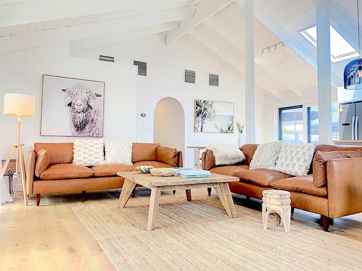 Mount Martha Renovated Coastal Abode-Village+Beach