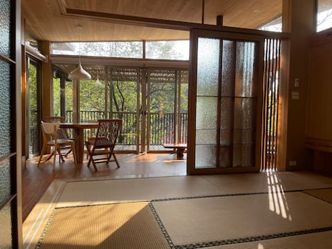 Baisha Bay, Sculptor's mountain cottage, tatami