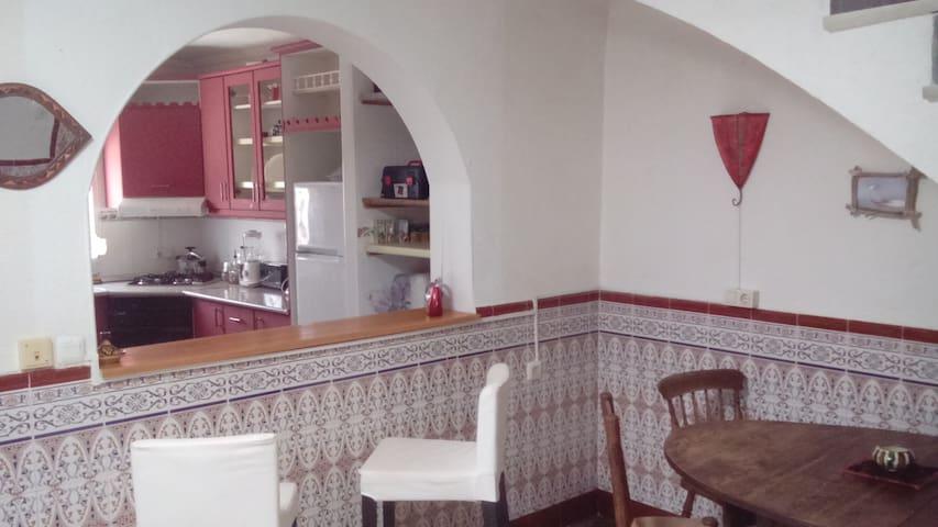 casa de 2 plantas con 3 dormitorios - Carboneras - House