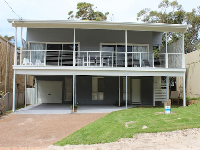 Executive Home with Port Stephens Views