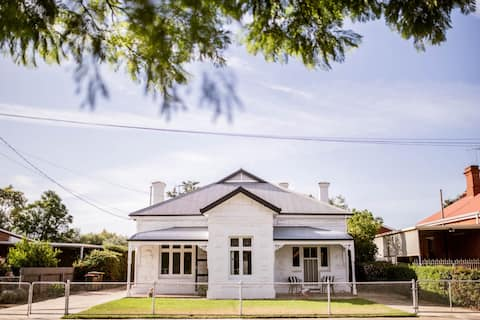 Ms. Evelyn's at Mile End - stylish heritage home
