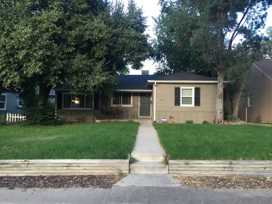 Cozy 3 Bedroom Home In Central Location Houses For Rent In Denver Colorado United States