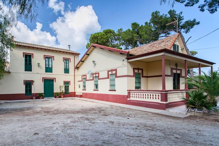 Villa Paquita:Elegant Mediterranean Villa from1913 - Ondara