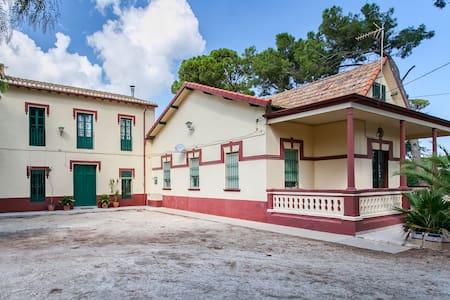 Villa Paquita:Elegant Mediterranean Villa from1913 - Ondara - House