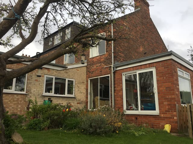 Cosy, user friendly with large garden and BBQ