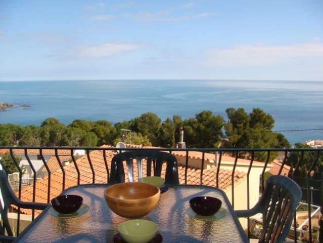 053 Apartement sea views with terrace quiet area - Llançà - Flat