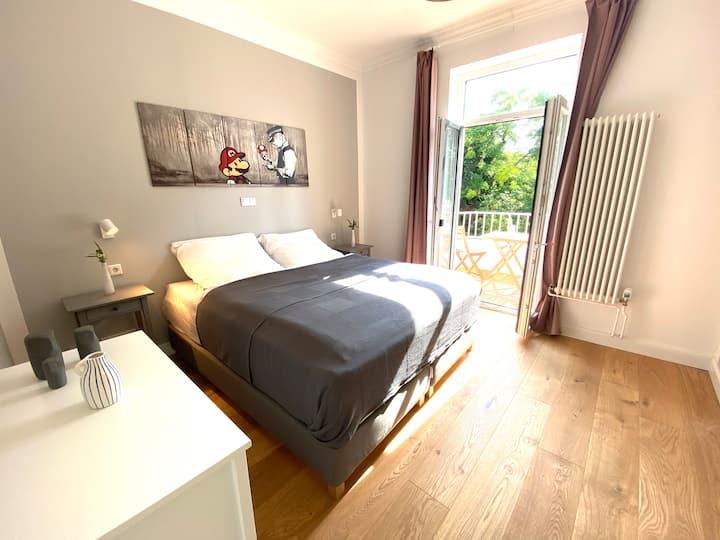 Balkon-Apartment in Stadtvilla (Sternschanze)