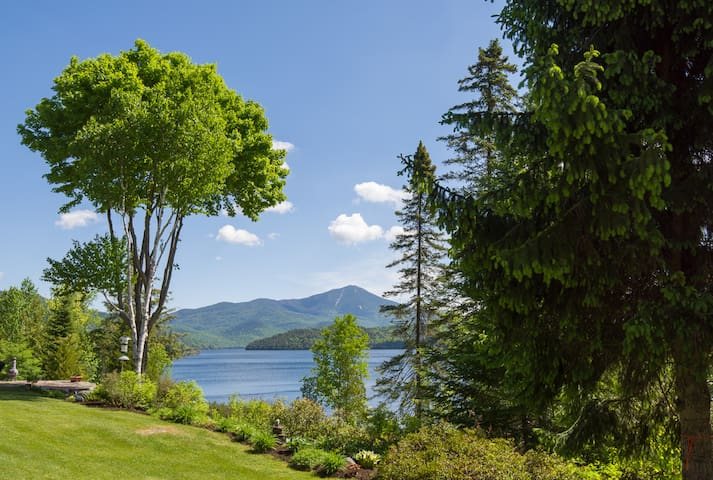 Gorgeous Lakefront Condo, Whiteface Club & Resort!