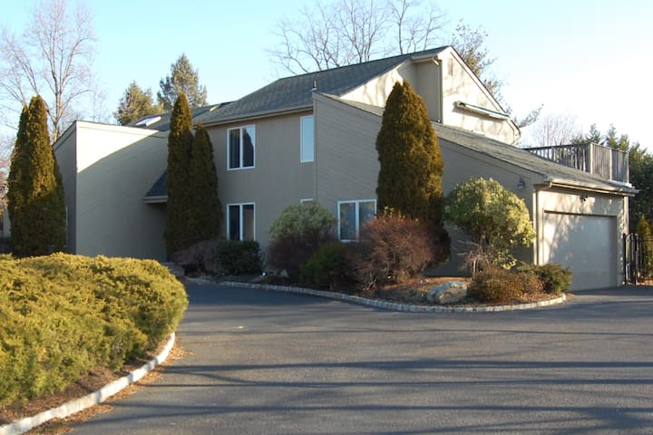 Gorgeous Strictly Kosher Home!! - West Long Branch - Dům