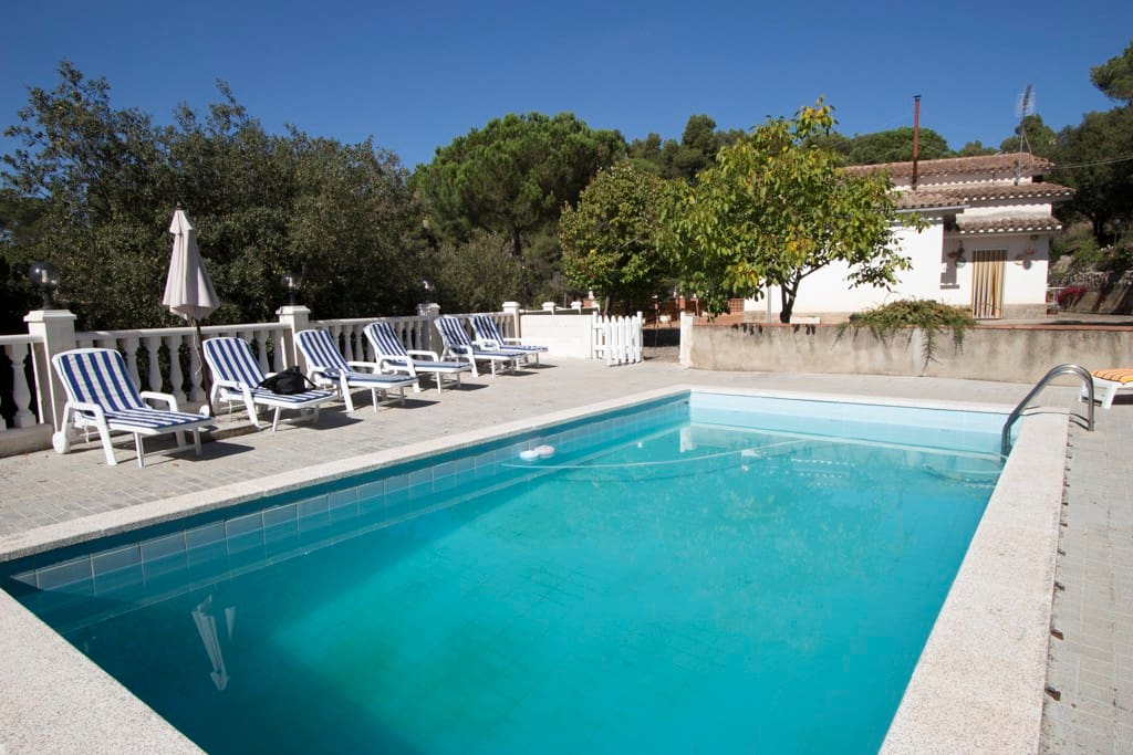 Vacarisses Grande For 16 People With A Private Pool 40 Minutes From Barcelona And The Beach