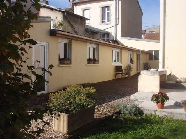 Maisonnette sur jardin Nancy sud - Jarville-la-Malgrange - House