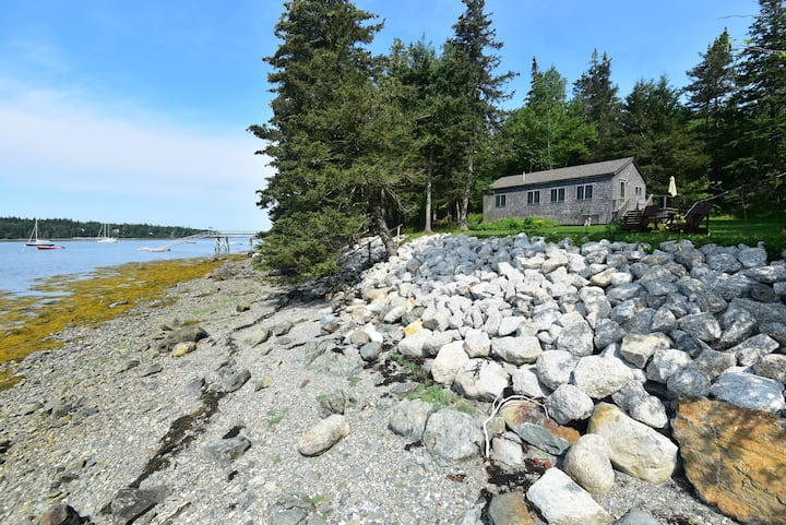 Dow Road Waterfront Cottage - Deer Isle Maine!