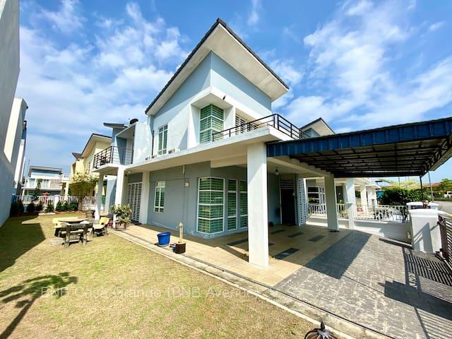 BNB Casa Grande @ Rawang (spacious, 20 pax & WiFi)