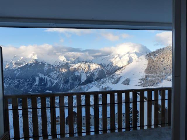 Bel appartement 60 m2 Vieil Alpe vue magnifique - Huez - Huoneisto