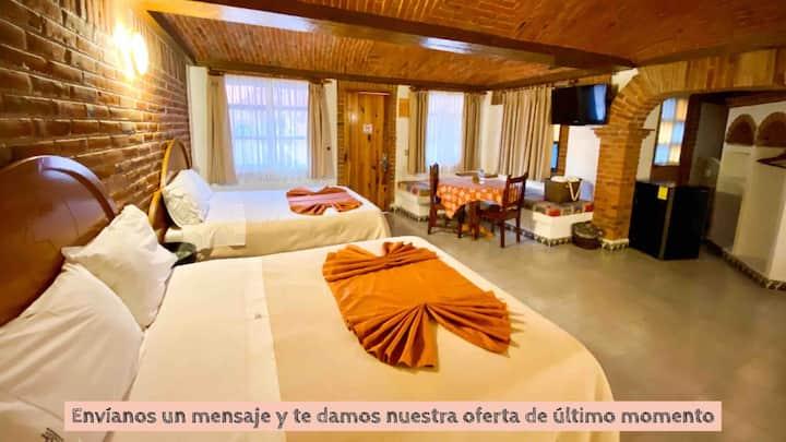 Habitación Doble (2camas QN)/ Hotel en zona centro