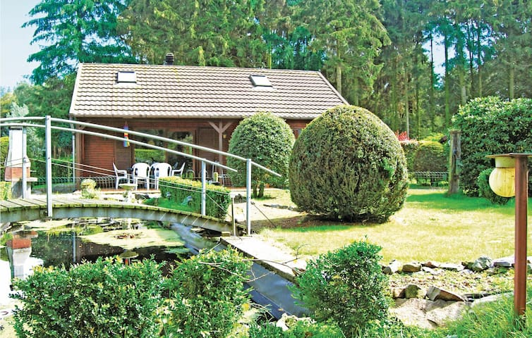 Holiday cottage with 3 bedrooms on 80m² in Wachtebeke