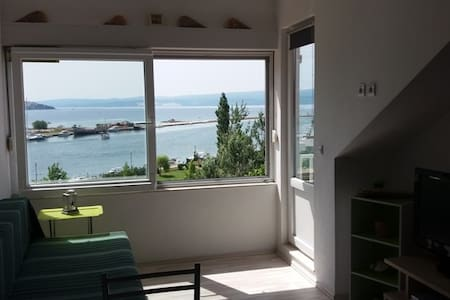 Sea view apartment, near beach, 2+2 - Omiš