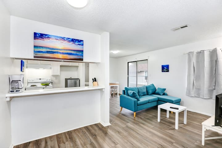 "2 Bedroom - Huntsville Boutique Beach ""H"""