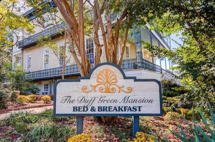 Duff Green Mansion - Magnolia Room - Vicksburg