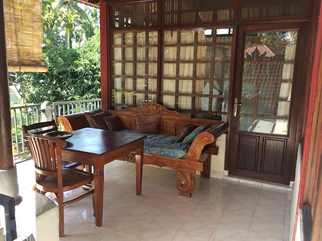Danu Guest House w/ Terrace in Artist's Garden