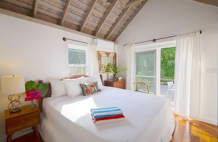 1BR 1BA Garden Cottage on Private Estate w/ Pool
