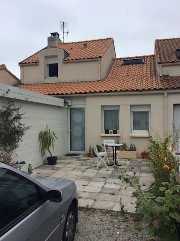 Maison pour un week end - Pont-Saint-Martin - บ้าน