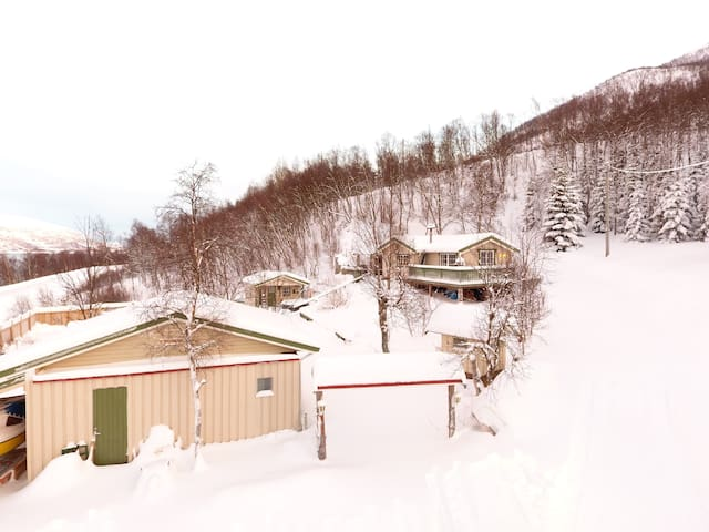 Marytun cabins. Lovely view with jacuzzi and sauna