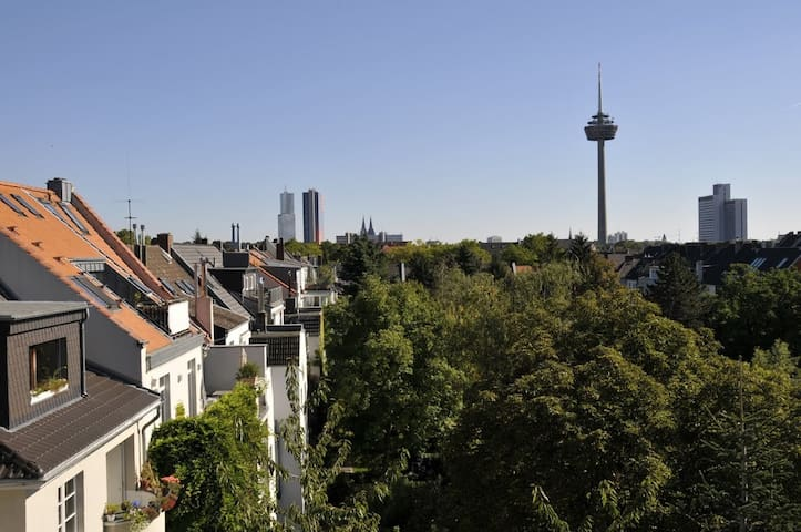 Spacious apartment with great view - Köln - Loft